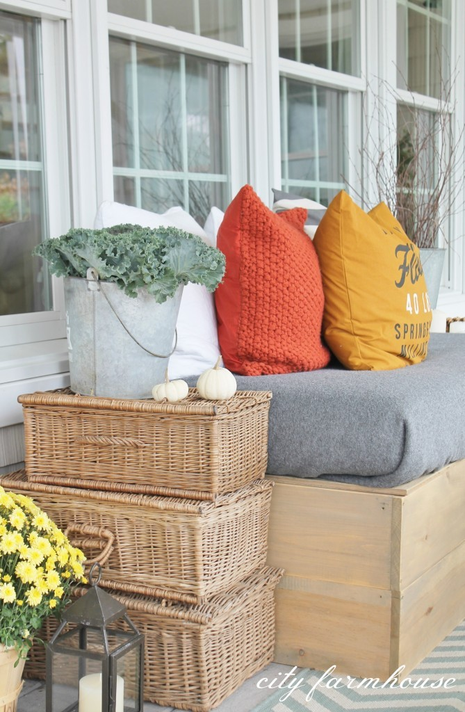Stacked-Vintage-Baskets-Rustic-Fall-Porch1-669x1024